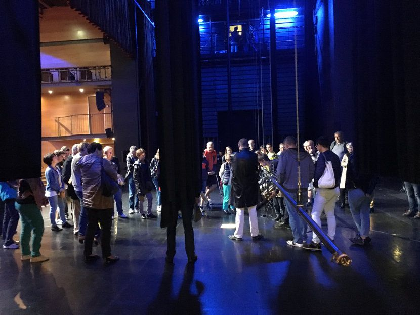 6-coulisses-du-theatre