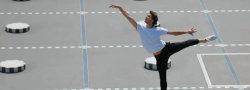Hugo Marchand danse dans les colonnes de Buren